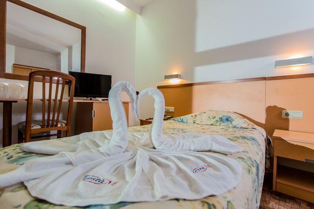 Fiesta M Hotel - SGL room